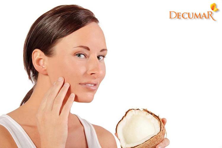 Sử dụng dầu dừa để trị sẹo thâm lâu năm nhanh nhất