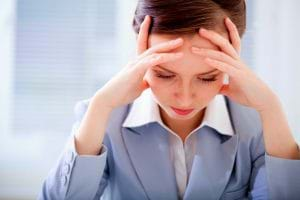 Căng thẳng thần kinh cũng khiến cho da bạn bị mụn trứng cá.