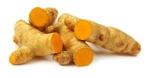 Nghệ tươi chứa rất nhiều vitamin E và tinh chất Curcumin giúp trị mụn hiệu quả.