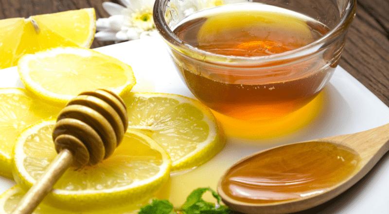 Trị mụn viêm với chanh và mật ong