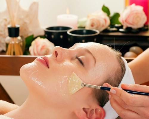 Sử dụng dầu dừa giúp điều trị sẹo rỗ hiệu quả ngay tại nhà