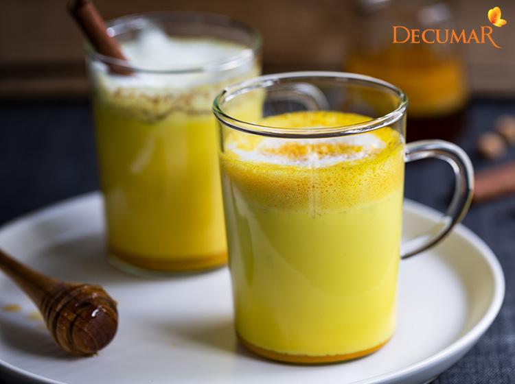 Sữa tinh bột nghệ và mật ong cung cấp dưỡng chất từ bên trong