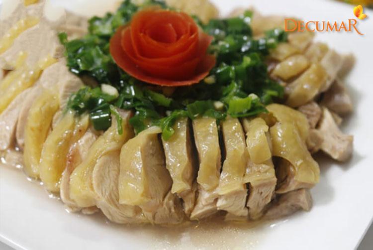 Hạn chế ăn thịt gà khi bị trầy xước da