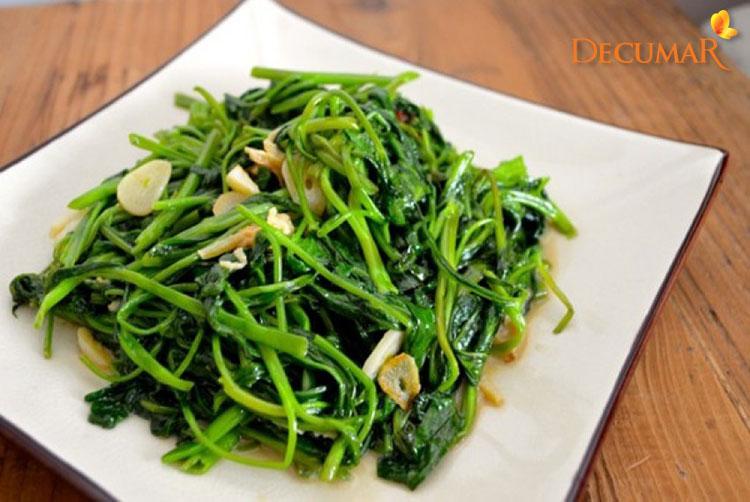 Không ăn rau muống khi bị trầy xước da