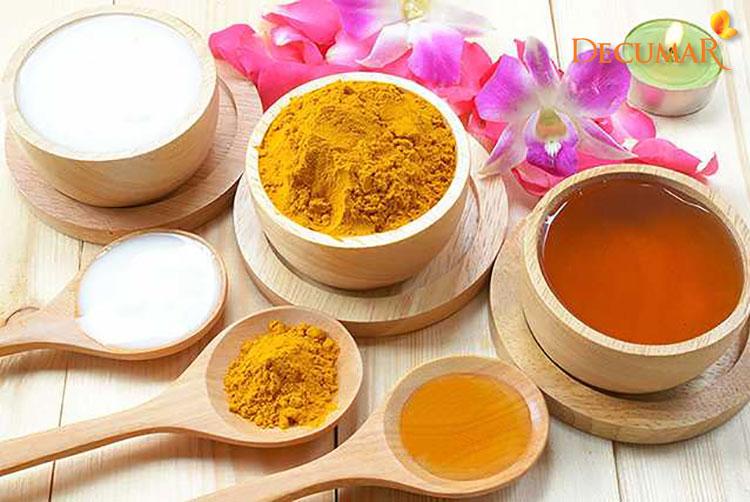 Mặt nạ bột nghệ, sữa tươi và mật ong