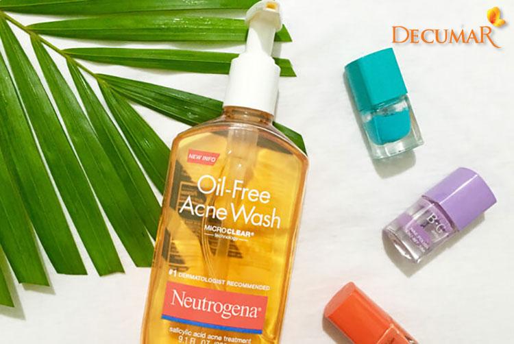 Sữa rửa mặt Neutrogena Oil-Free Acne Wash