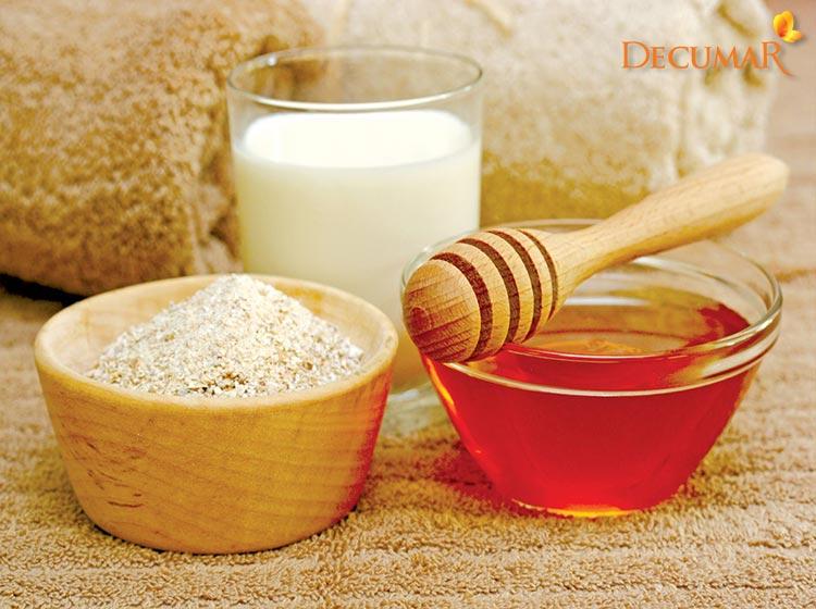 Bột cám gạo và mật ong