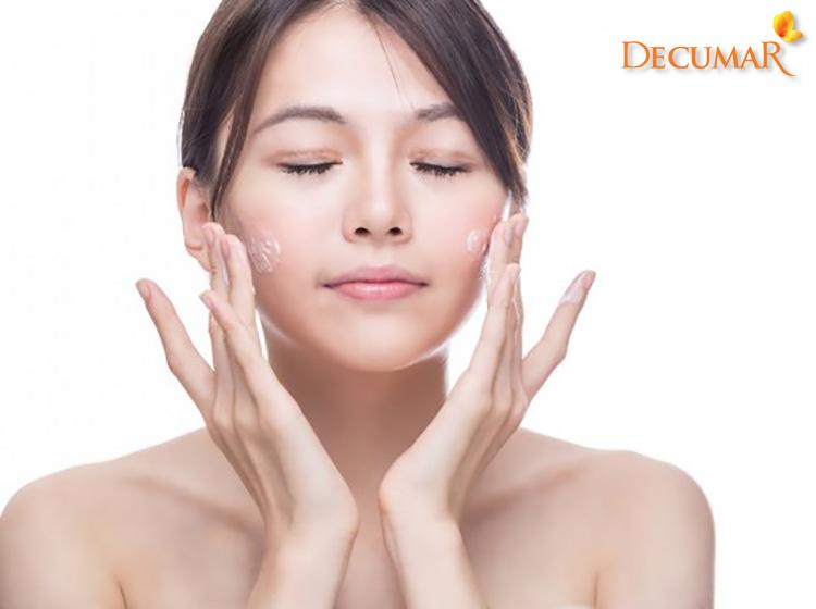 Rửa sạch mặt trị mụn bọc