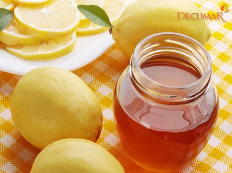Chanh và mật ong kết hợp giúp trị mụn thâm hiệu quả
