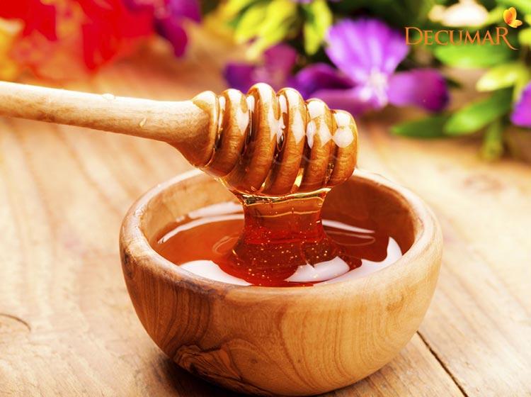 Sử dụng mật ong để điều trị sẹo thâm ở chân