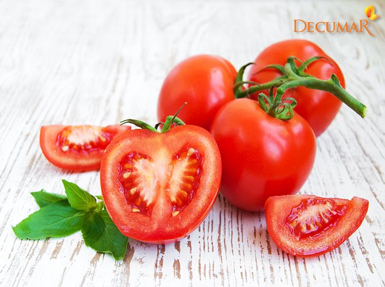 Cà chua trị mụn bọc bị chai