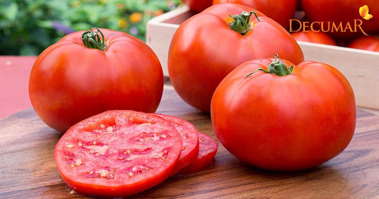 Cà chua chính là nguyên liệu trị mụn bọc rất hiệu quả có mặt trong gian bếp nhà bạn