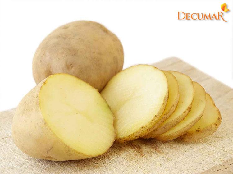 Dùng khoai tây trị sẹo thâm vết thương