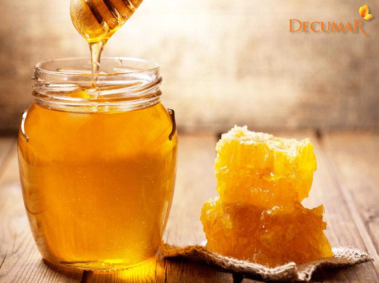 Mật ong là nguyên liệu tự nhiên có tác dụng làm đẹp