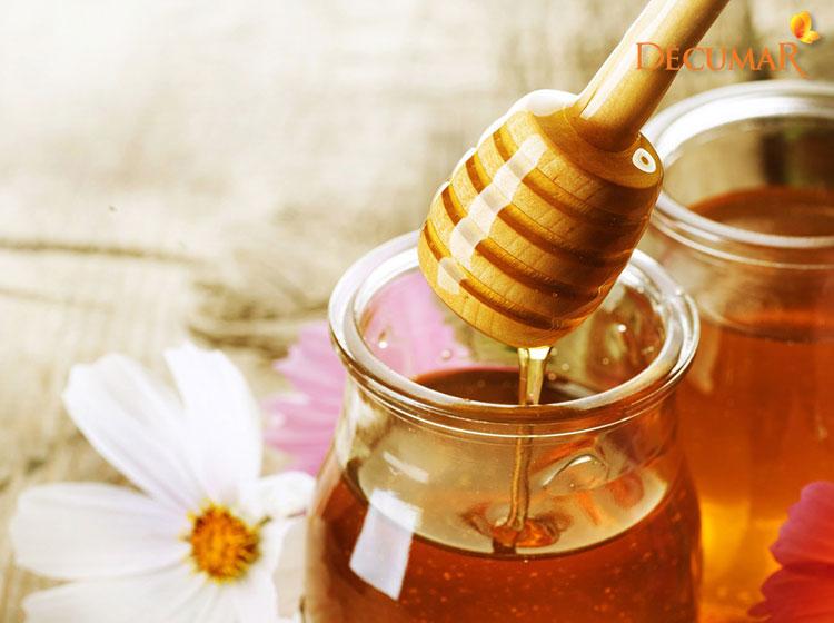 Sử dụng mật ong trị viêm da mụn trứng cá đồng thời dưỡng da rất tốt