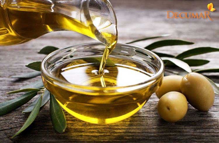 Dầu oliu giúp trị sẹo thâm nhờ khả năng chống oxi hóa mạnh mẽ