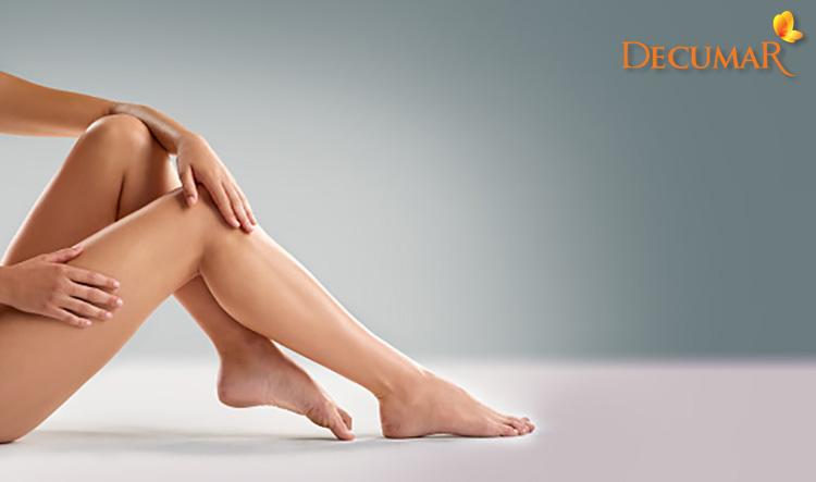 Đôi chân sau khi trị sẹo thâm ở chân lâu năm bằng rau má