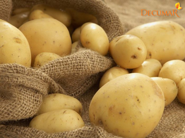 Sử dụng khoai tây để trị sẹo thâm trên da