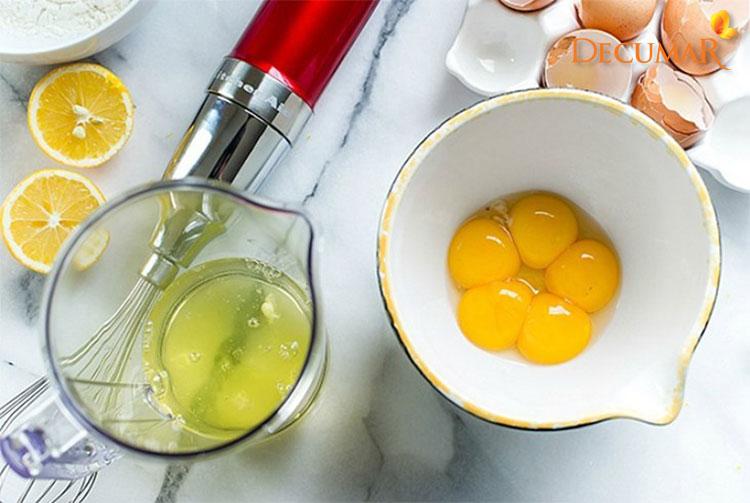 Lòng trắng trứng vừa giúp trị thâm sẹo lại còn giúp se khít lỗ chân lông một cách hiệu quả