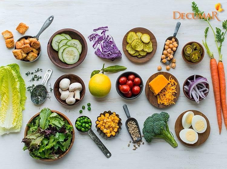 Chế độ ăn uống khoa học giúp điều trị mụn