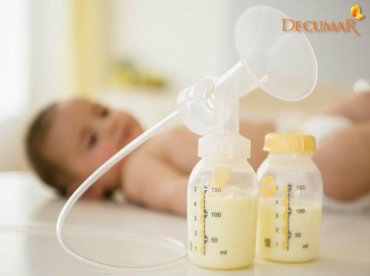 Cách trị sẹo thâm cho bé bằng sữa mẹ vô cùng an toàn mà lại hiệu quả