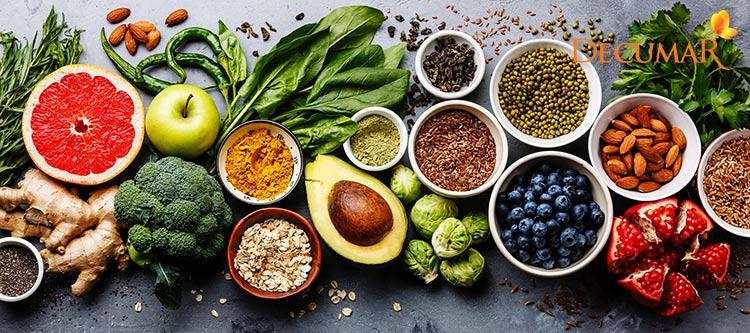 Thực phẩm giàu kẽm, Vitamin, chất chống oxy hóa, Omega 3 và collagen nên có trong chế độ ăn trị mụn thâm