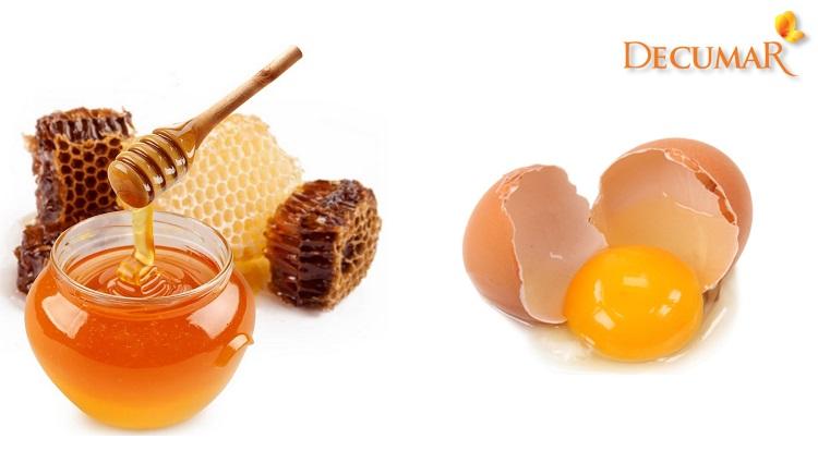 Trị mụn bằng mật ong và trứng gà