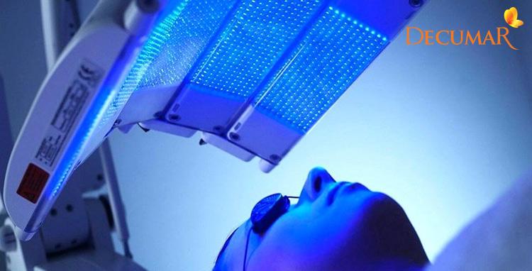 Trị mụn và vết thâm cấp tốc bằng công nghệ blue light