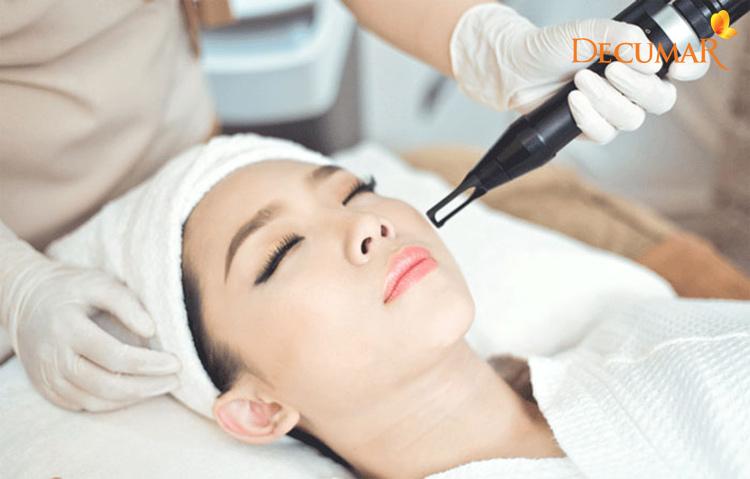 Trị mụn và vết thâm bằng Laser là phương pháp điều trị phổ biến hiện nay