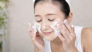 Các bước skincare cho da mụn ẩn hiệu quả và đơn giản tại nhà