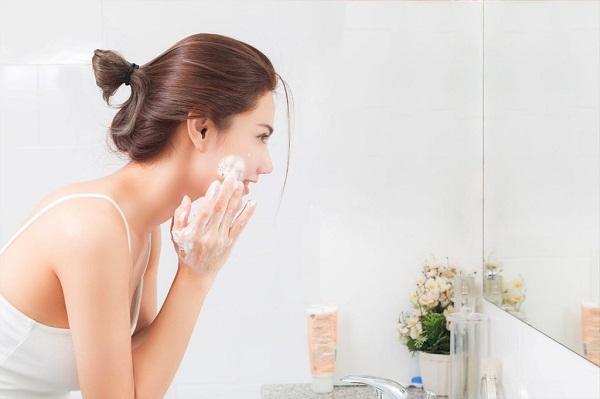 Chăm sóc da sau khi nặn mụn