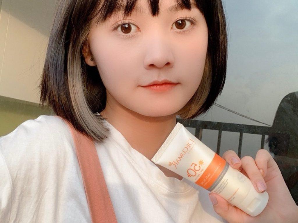 Cô nàng 9X xinh đẹp Hoài Linh chia sẻ triết lý đau thương về…thâm mụn